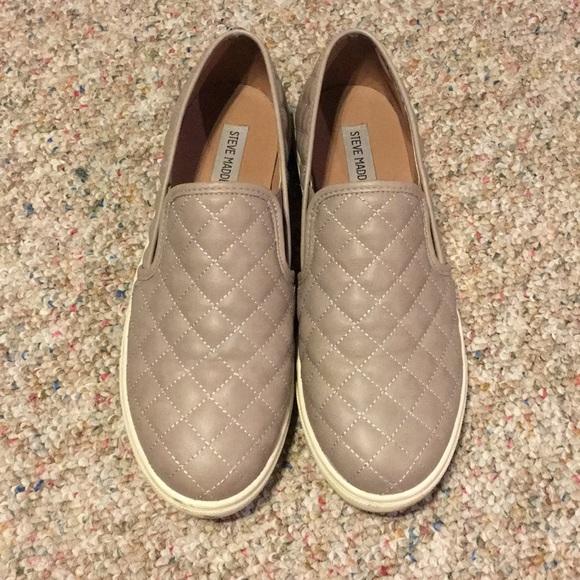 Steve Madden Shoes - ✨Steve Madden Slip Ons✨